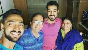 Hardik Pandya family   celebanything.com