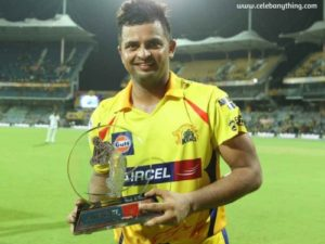Suresh Raina Receiving award | celebanything.com