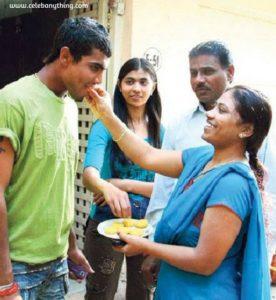 Ravindra Jadeja family | celebanything.com